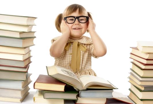 little-kid-books-glasses